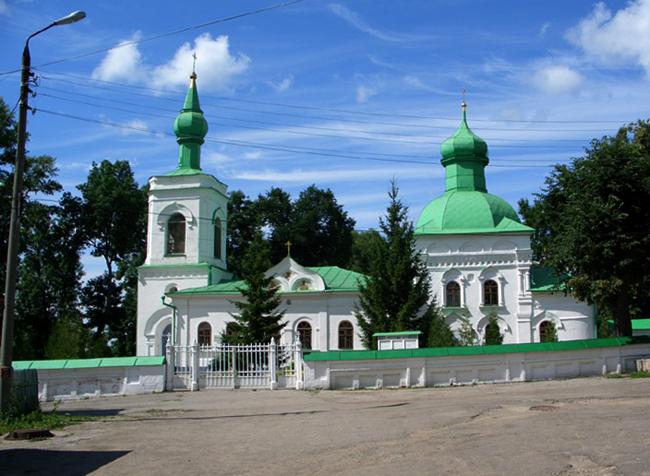 Церковь Николая Чудотворца в деревне Кочаки и некрополь семейства Толстых