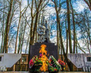 Памятник-мемориал героям Великой Отечественной войны