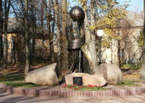 Памятник подвижникам спорта