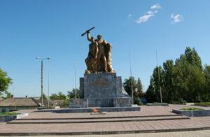 Мемориальный комплекс на площади Победы