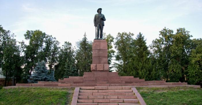 Памятники Ивану Мичурину
