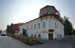 Чайная купца Большакова и бывший Дворянско-купеческий клуб
