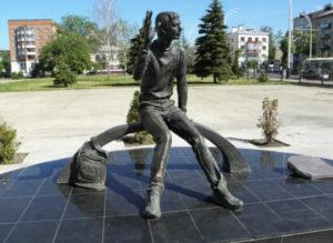 Памятник «Вечный студент»