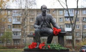 Памятник В.А. Лыжину