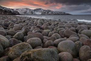Каменный пляж – «яйца динозавров»