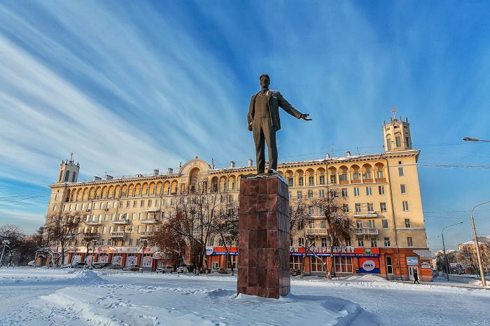 Памятник В. Маяковскому