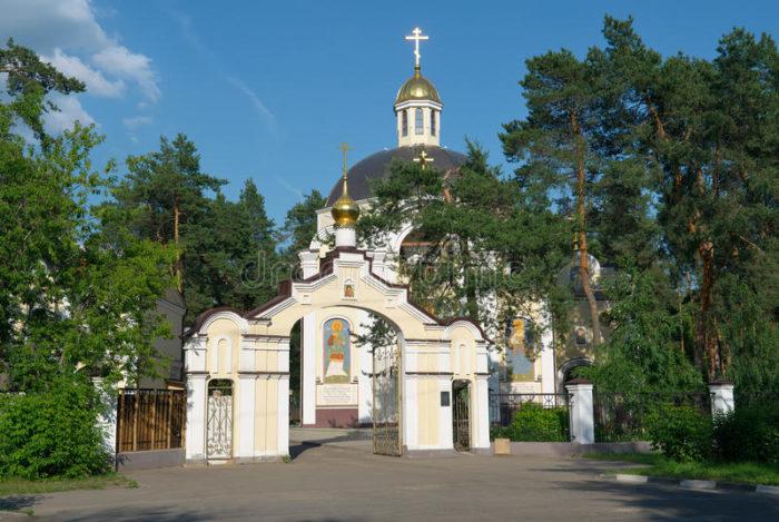 Церковь св. целителей и бессеребренников Косьмы и Дамиана