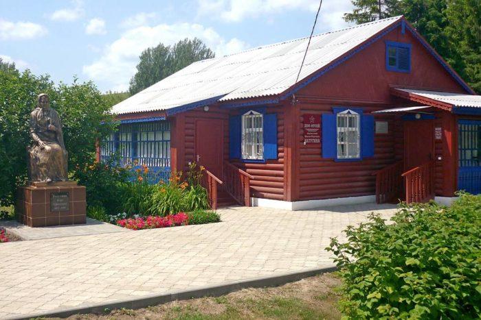 Дом-музей генерала армии Ватутина Николая Фёдоровича-01