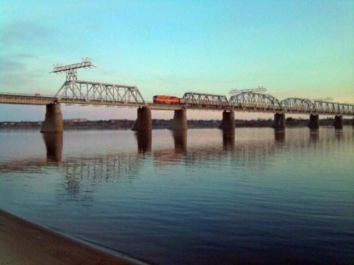 Железнодорожный мост через реку Печору