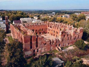Главная достопримечательность города – Древний замок Рагнит