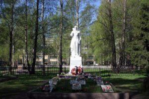 Памятник погибшим воинам-балтийцам